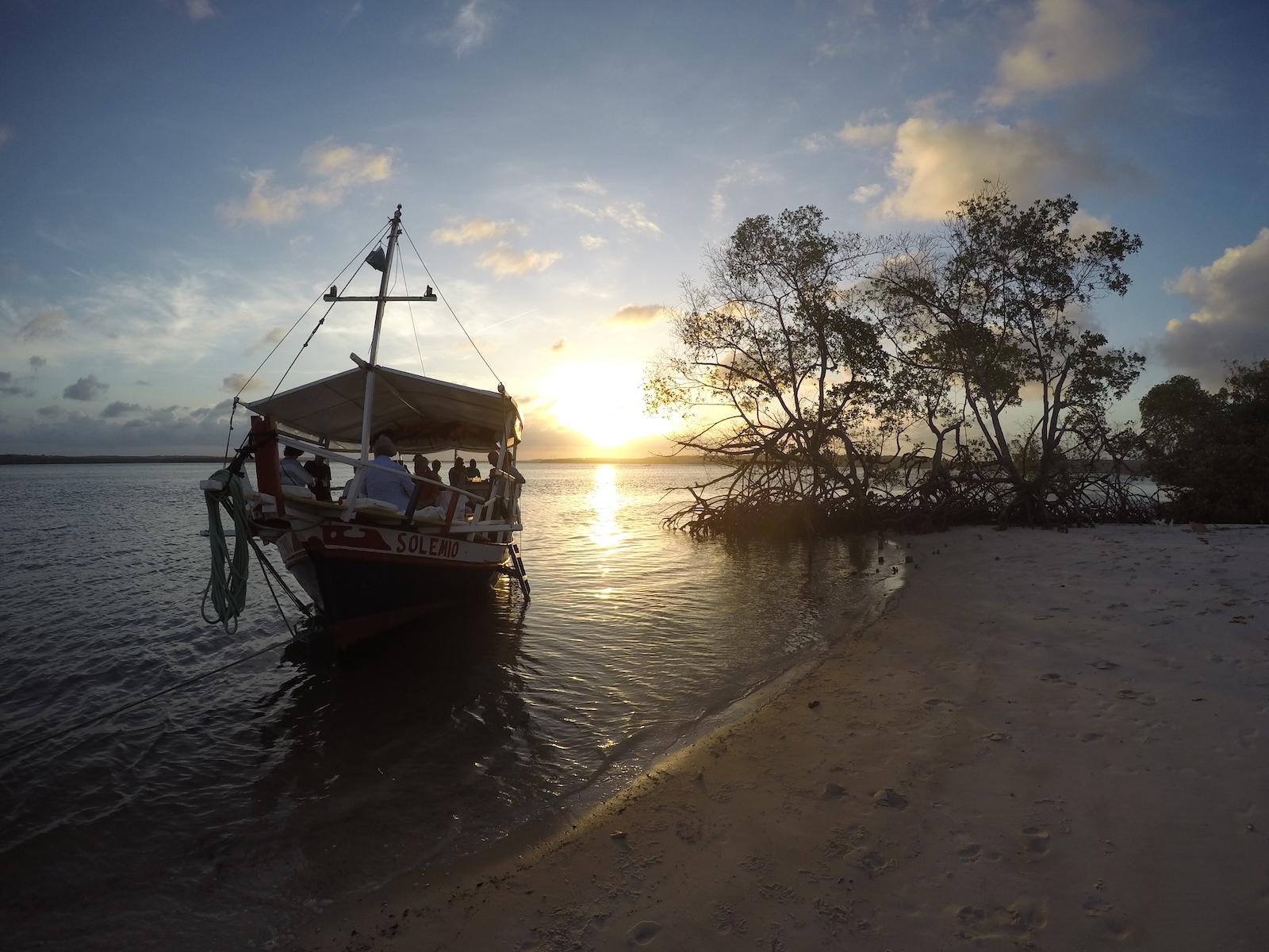 tourameo-reiseplanung-gruppenreise-brasilien-pipa-boot-tour