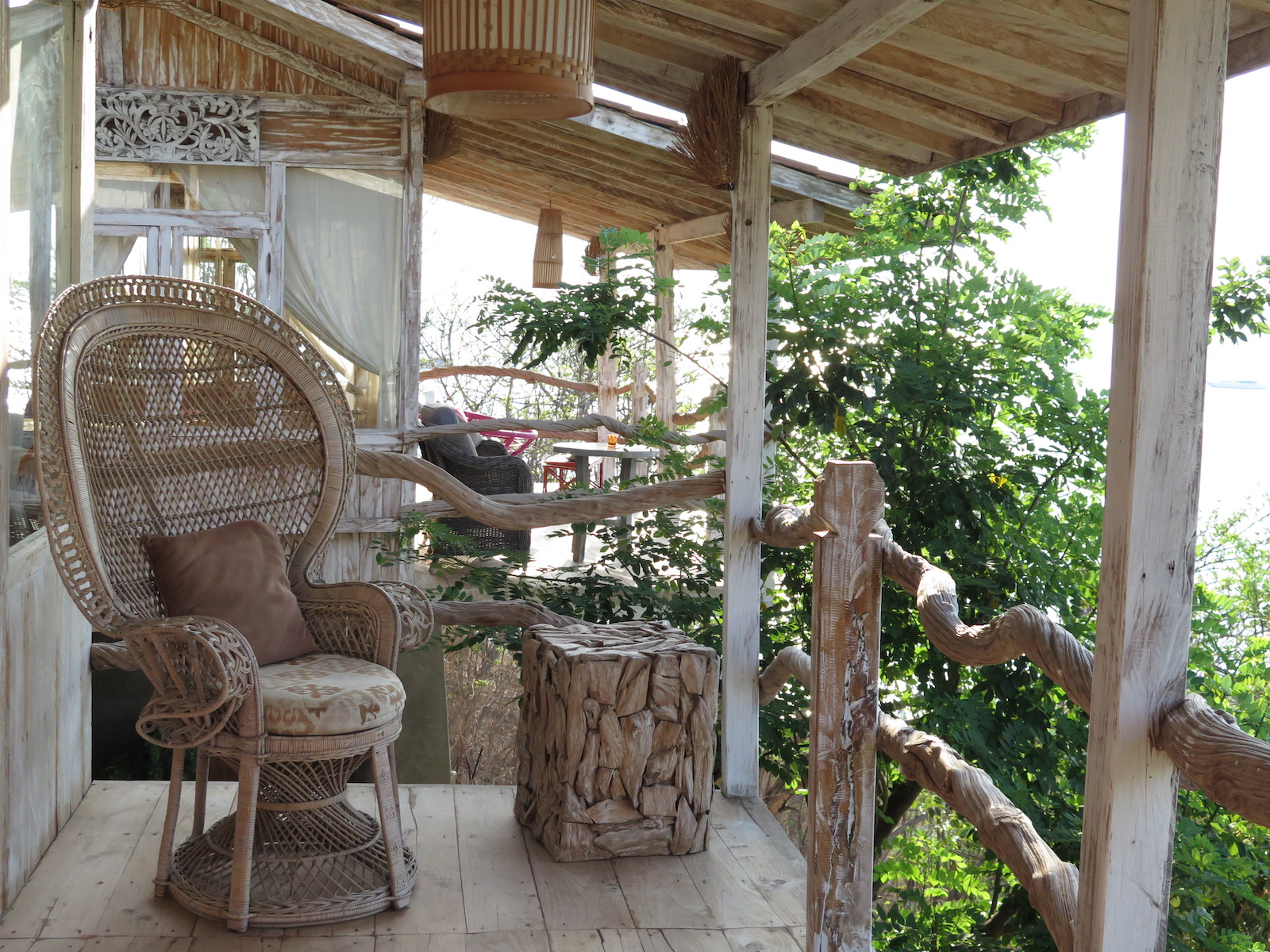 tourameo-trip-planning-honeymoon-indonesia-treehouse