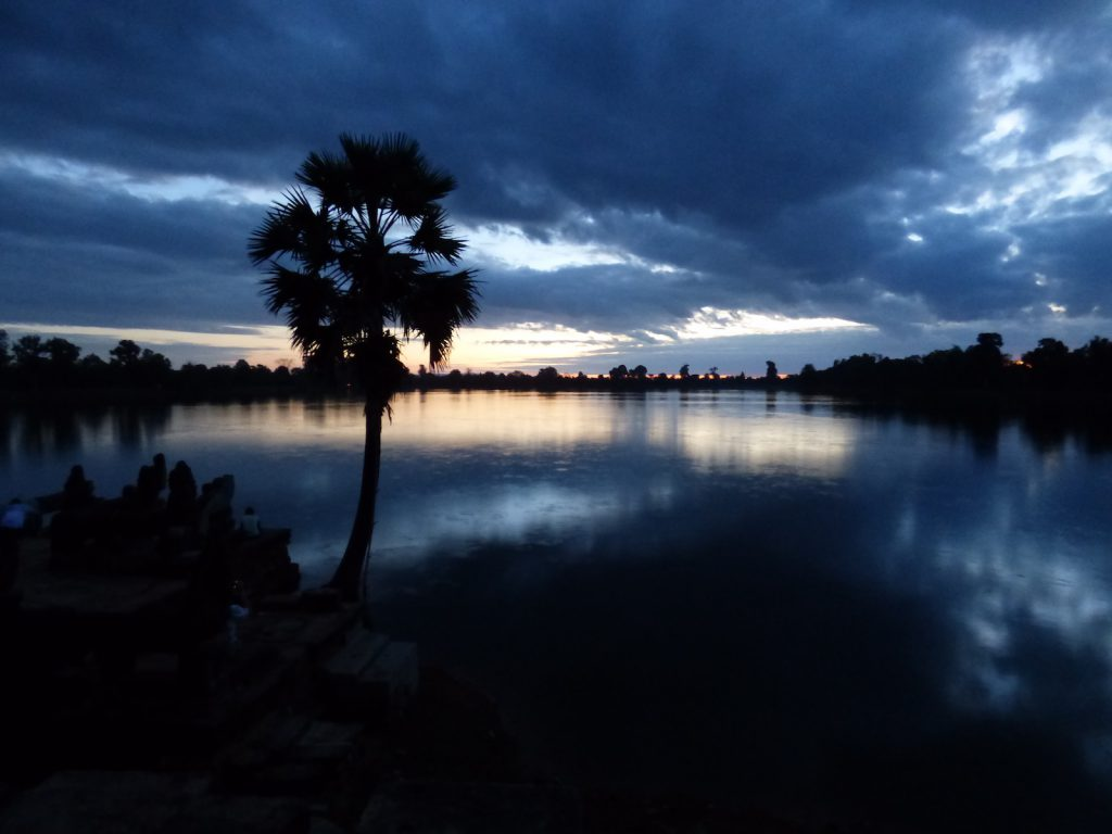 tourameo-destination-tour-cambodia-sunrise