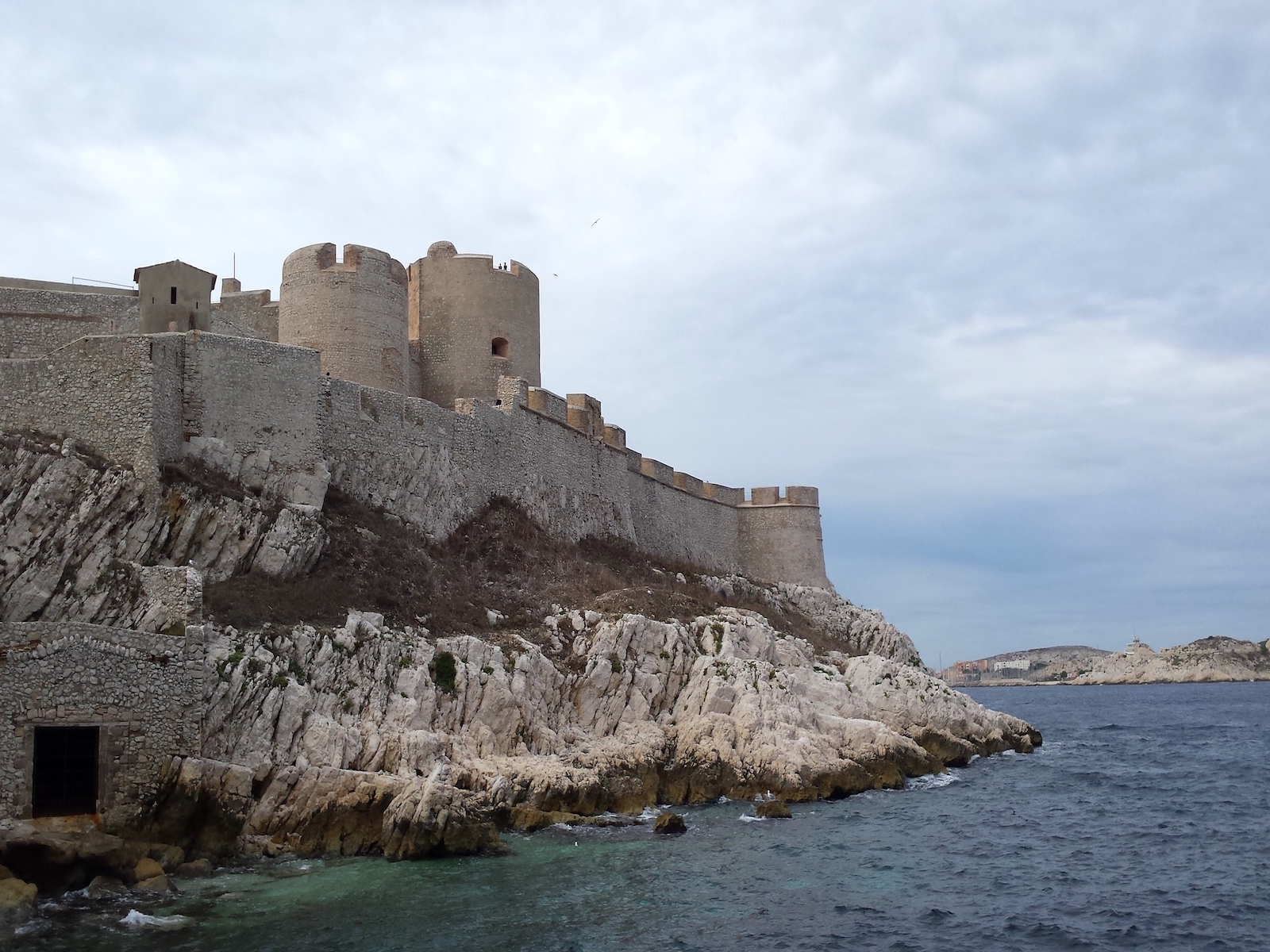 marseille-chateau-dif-prison-france-tourameo