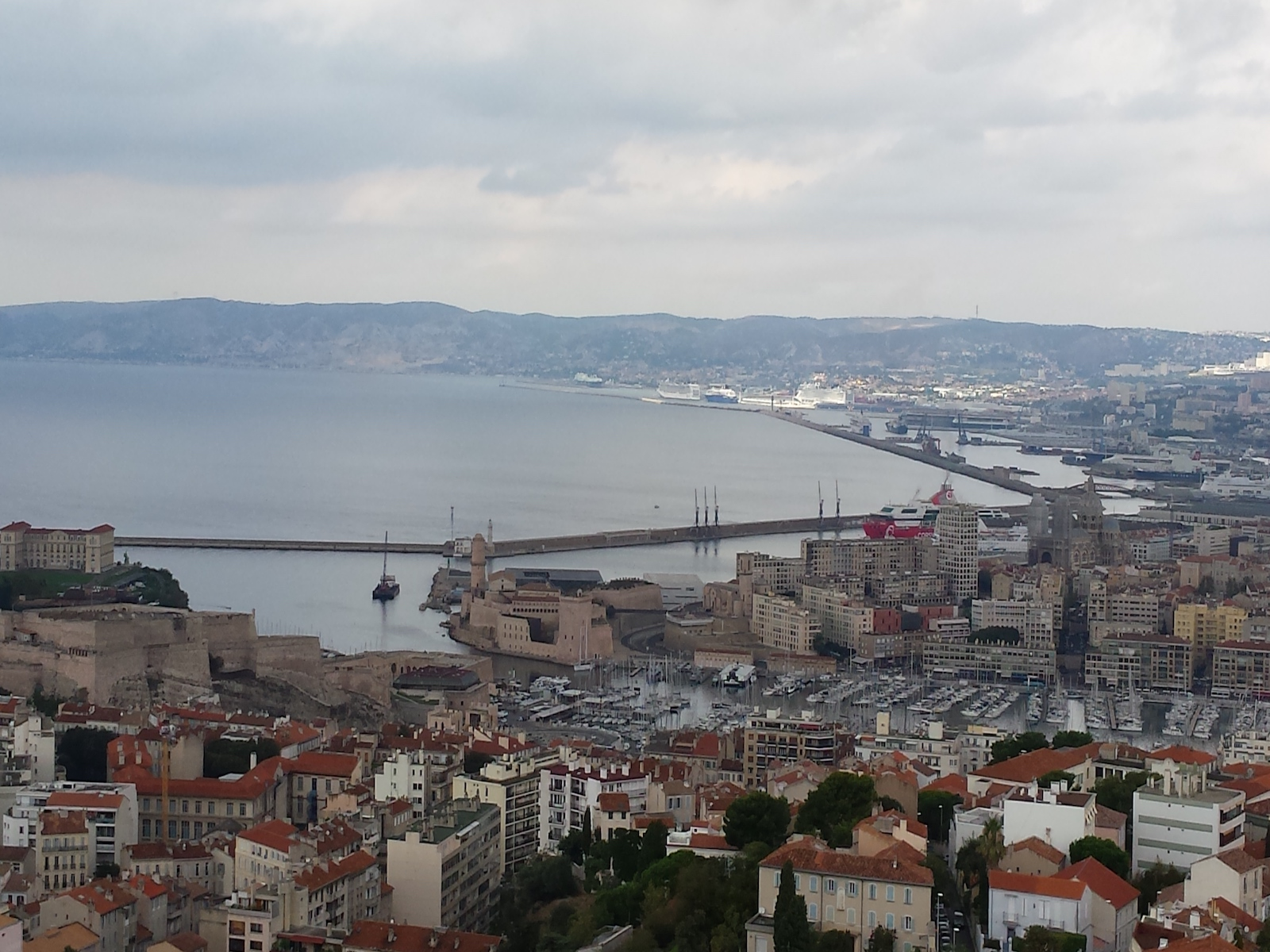 marseille-france-vieux-port-view-point-tourameo
