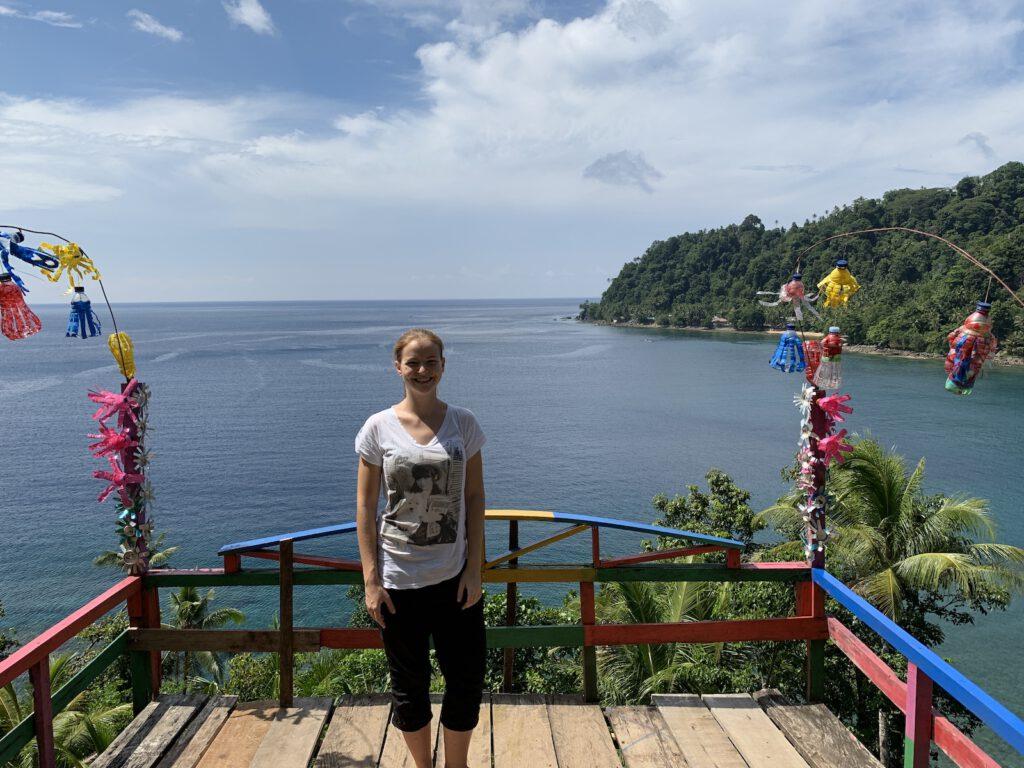 indonesien-ambon-reise-aktivitaeten-vor-ort-buchen-lokale-Bevoelkerung-unterstuetzen